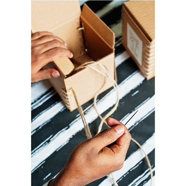 nomad-india-making-of-handstitched-packaging-boxes