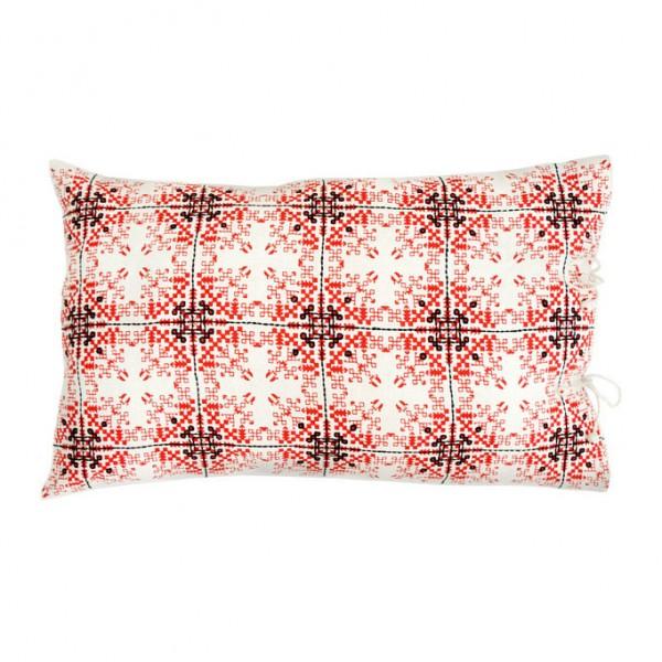 no-mad-india-isayu-red-cushion-35x55