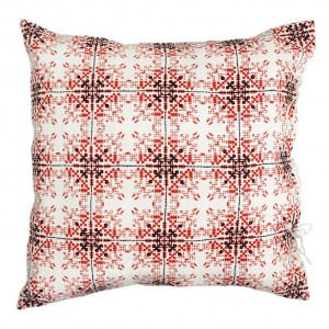 no-mad-india-isayu-red-cushion-50x50