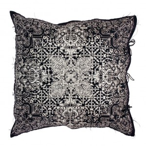 no-mad-india-navika-black-cushion-50x50