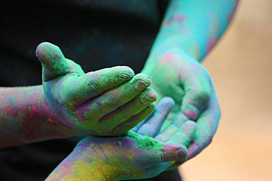 kalpana-chatterjee-holi-india-festival-color