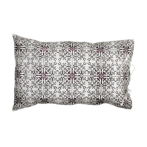 no-mad-india-isayu-black-cushion-35x55