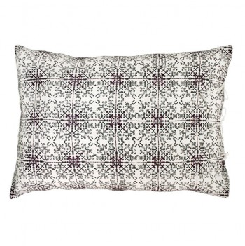 no-mad-india-isayu-black-cushion-50x70