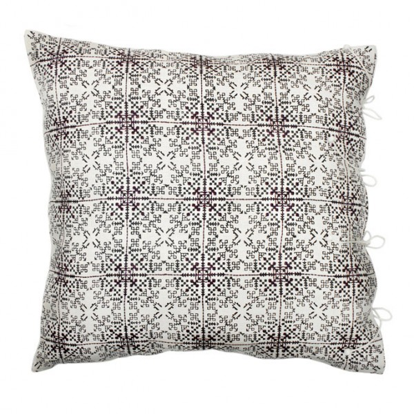 no-mad-india-isayu-black-cushion-60x60