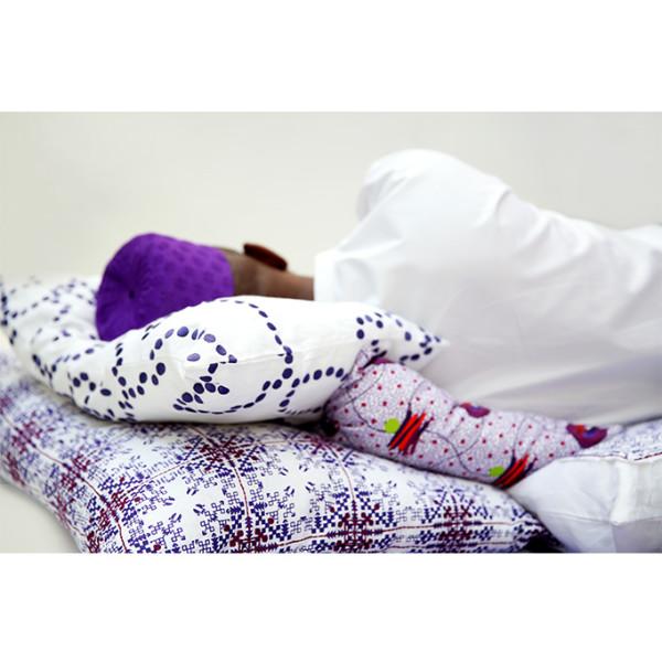 nomad-india-purple-isayu-cushion-insitu