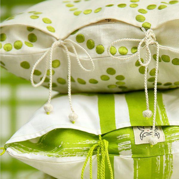 nomad-india-green-gunjan-cushion-cover-insitu