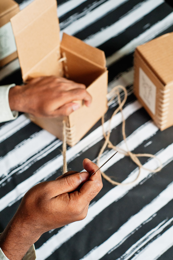 no-mad-india-making-of-candle-boxes