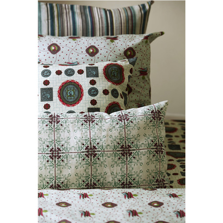nomad-india-blue-isayu-cushion