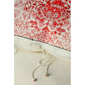 nomad-india-red-navika-cushion-detail