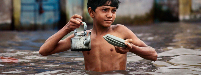 nomad-india-monsoon-steve-mccurry