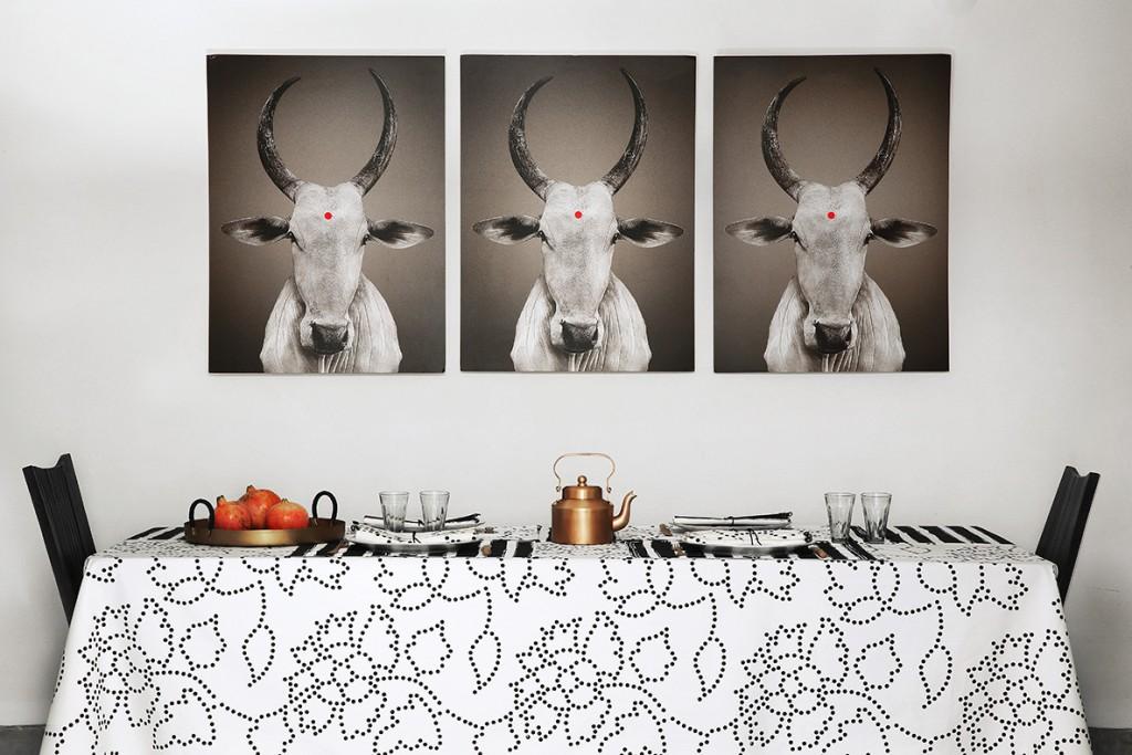 nomad-india-black-white-gunjan-table