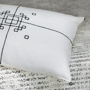 nomad-india-black-vayu-cushion-detail