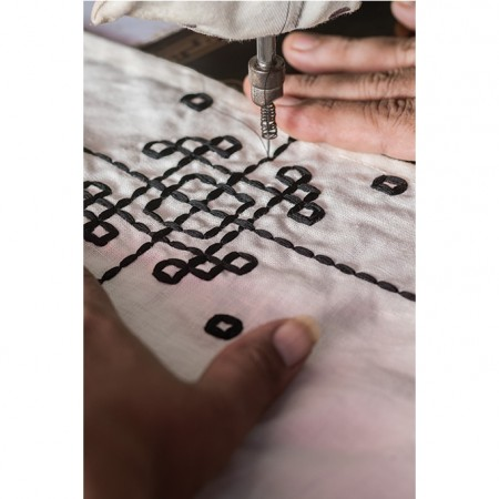 nomad-india-making-of-black-vayu-placemat
