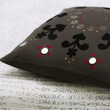 nomad-india-charcoal-noor-cushion-cover-detail