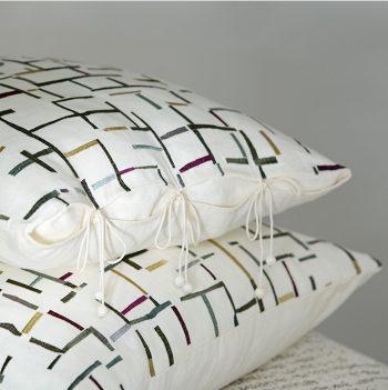 nomad-india-grey-aafreen-cushion-1