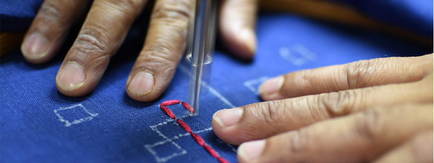 nomad-india-making-of-indigo-table-linen