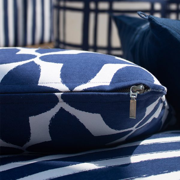 nomad-india-outdoor-indigo-cushion-buta