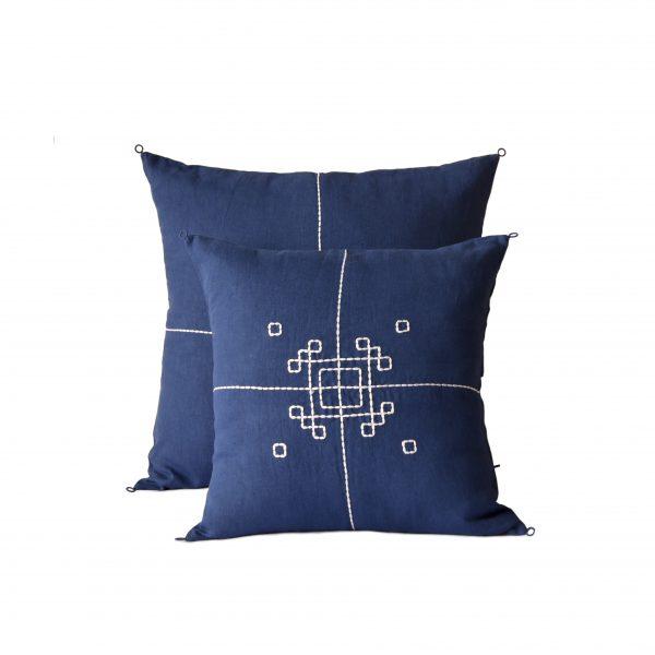 no-mad-india-indigo-vayu-cushion-2-packshot