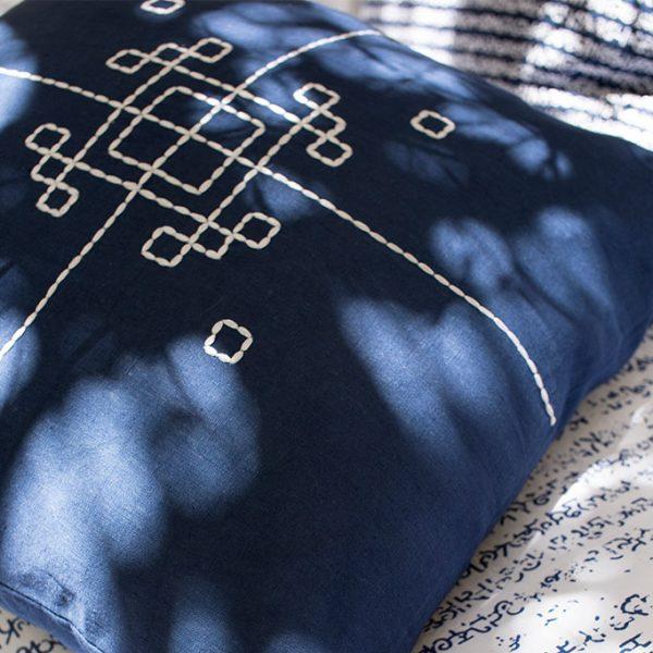 nomad-india-indigo-vayu-cushion-cover-1