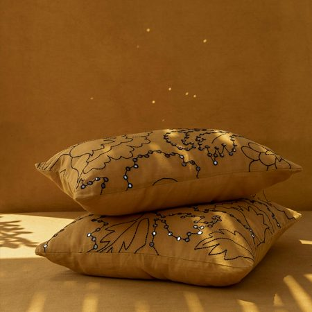 nomad-india-suman-ochre-black-cushion-cover-main