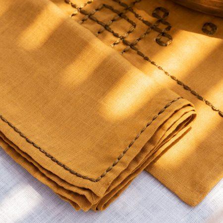 nomad-india-vayu-ochre-zari-napkin-detail