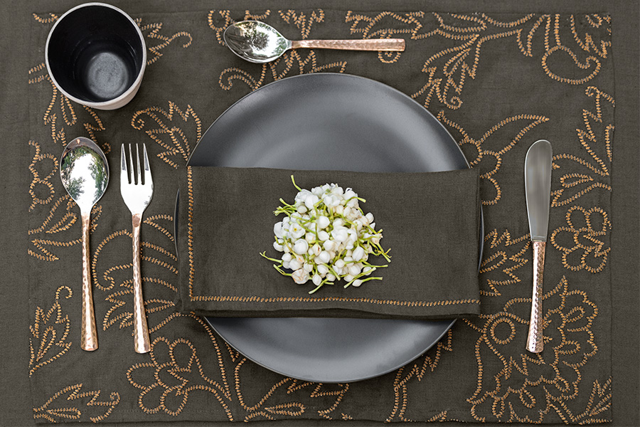 nomad-india-festive-table-charcoal-3