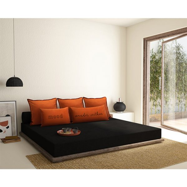 nomad-india-home-textiles-barahmasa-fabrics-mizaaj-cushion-covers-terracotta-black-1