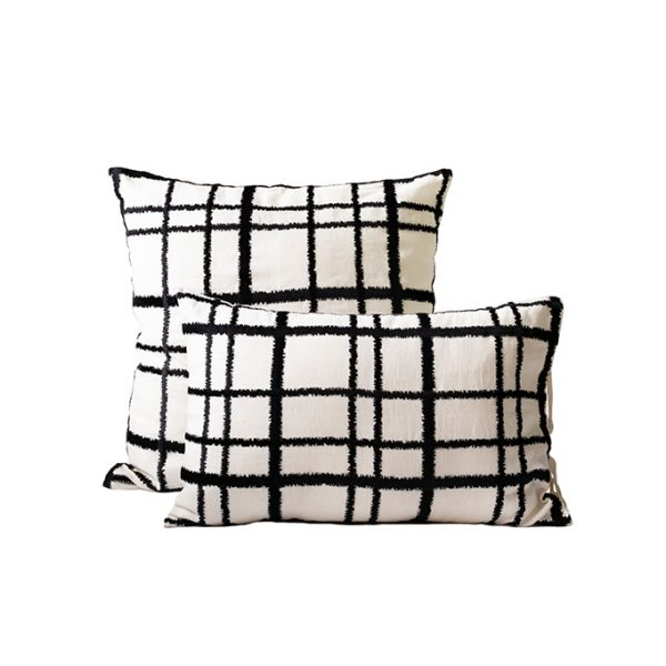 nomad-india-textiles-cushion-cover-adira-black-off-white
