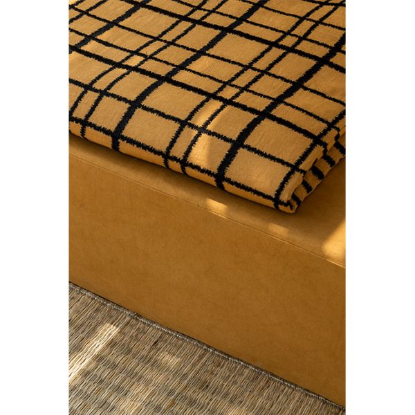 nomad-india-textiles-cushion-cover-adira-ochre-black-details