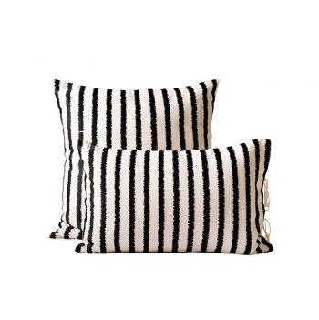 nomad-india-textiles-cushion-cover-lakeer-black-off-white