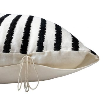 nomad-india-textiles-cushion-cover-lakeer-black-off-white-2
