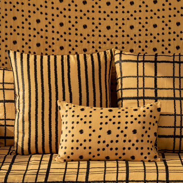 nomad-india-textiles-cushion-cover-ochre-black-ikat-collection-detail