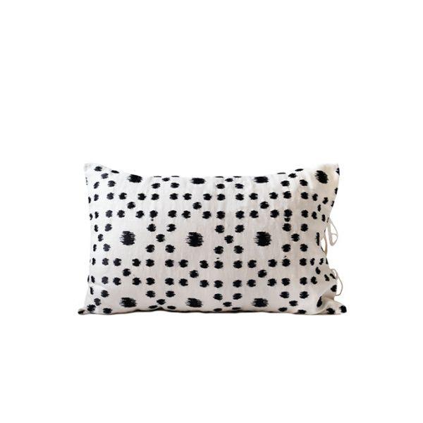 nomad-india-textiles-cushion-cover-pratha-black-white-2