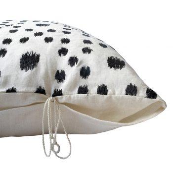nomad-india-textiles-cushion-cover-pratha-black-white-4