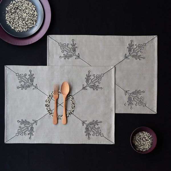nomad-india-grey-black-ulka-table-linen