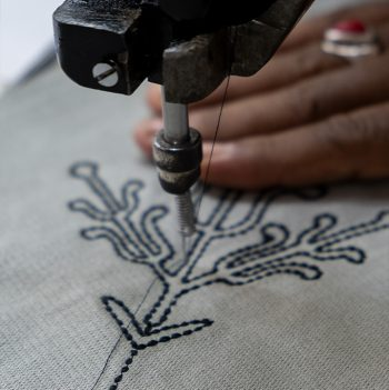 nomad-india-grey-black-ulka-table-linen-making