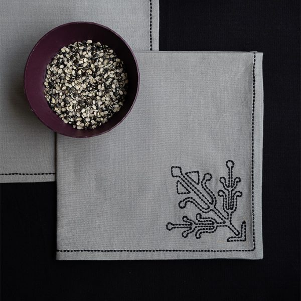 nomad-india-table-linen-ulka-grey-black