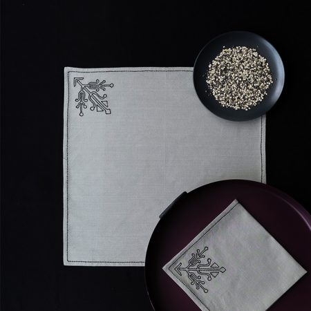 nomad-india-ulka-table-linen-grey-black-3